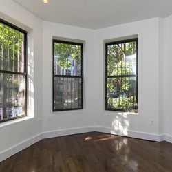 A $3,000.00, 3.5 bed / 1.5 bathroom apartment in Crown Heights