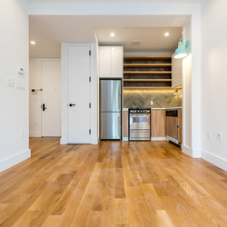 A $2,550.00, 2 bed / 1 bathroom apartment in Greenwood Heights