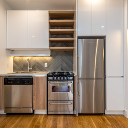 A $3,300.00, 3 bed / 1 bathroom apartment in Greenwood Heights