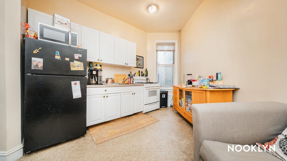 A $1,850.00, 2 bed / 1 bathroom apartment in Ridgewood