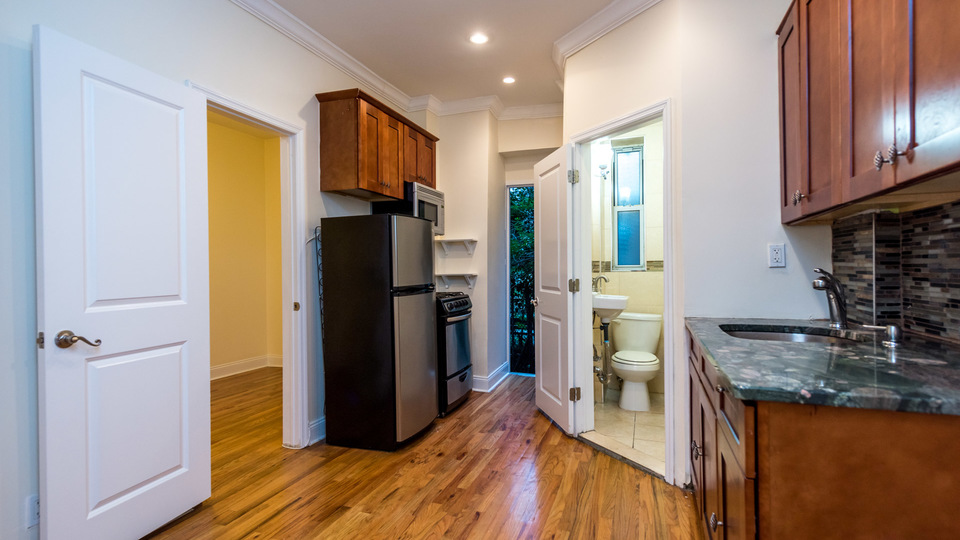 A $2,300.00, 1.5 bed / 1 bathroom apartment in Bed-Stuy