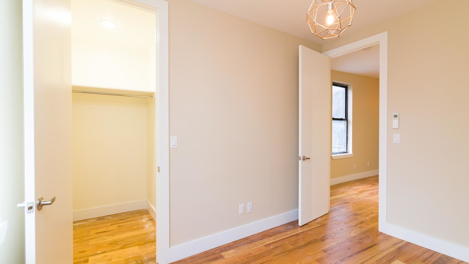 A $3,600.00, 3 bed / 2 bathroom apartment in Williamsburg