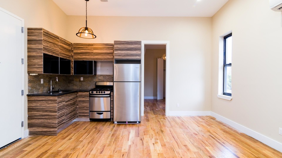 A $2,850.00, 3 bed / 2 bathroom apartment in Williamsburg