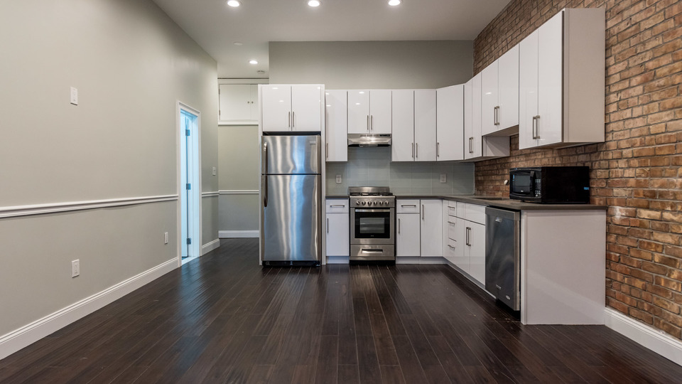 A $3,900.00, 3 bed / 2 bathroom apartment in Greenpoint