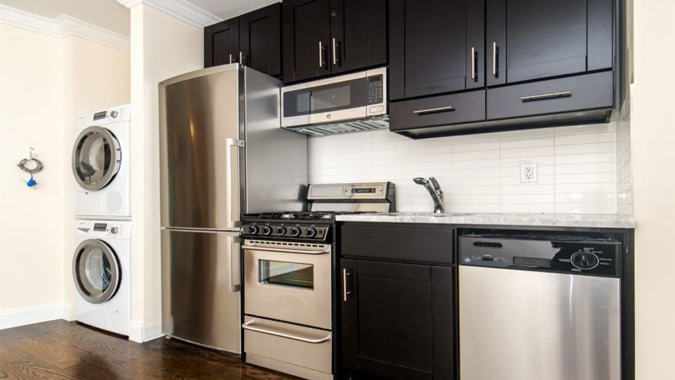 A $3,208.00, 2 bed / 1 bathroom apartment in Upper East Side