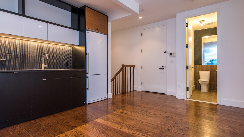 A $2,875.00, 3 bed / 1.5 bathroom apartment in PLG: Prospect Lefferts Gardens