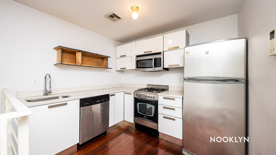 A $2,350.00, 2 bed / 2 bathroom apartment in Williamsburg