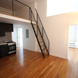 A $2,613.00, 2.5 bed / 1 bathroom apartment in Bushwick