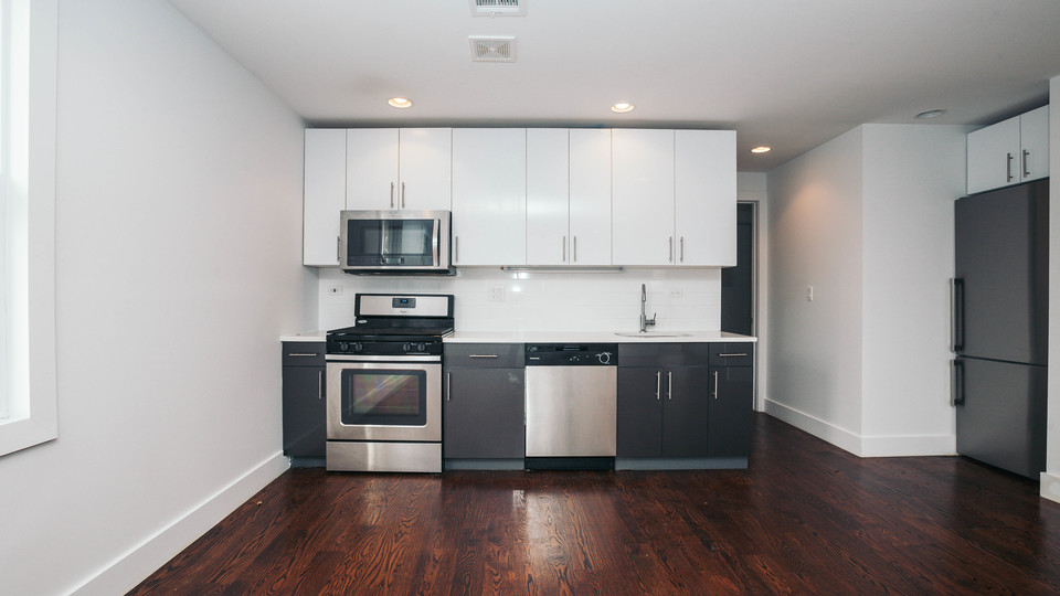 A $4,000.00, 4 bed / 2 bathroom apartment in Bushwick