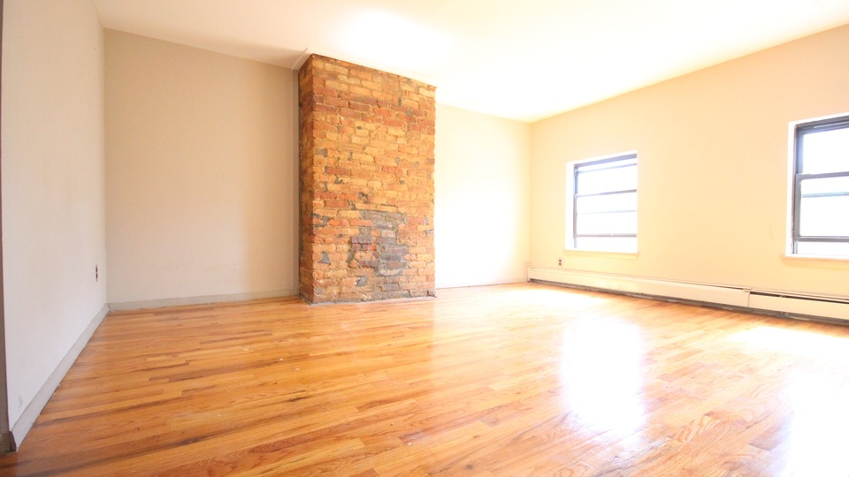 A $3,400.00, 5.5 bed / 2 bathroom apartment in Bed-Stuy