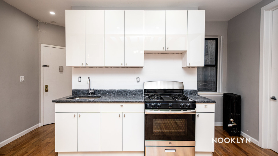 A $2,200.00, 2 bed / 1 bathroom apartment in Williamsburg