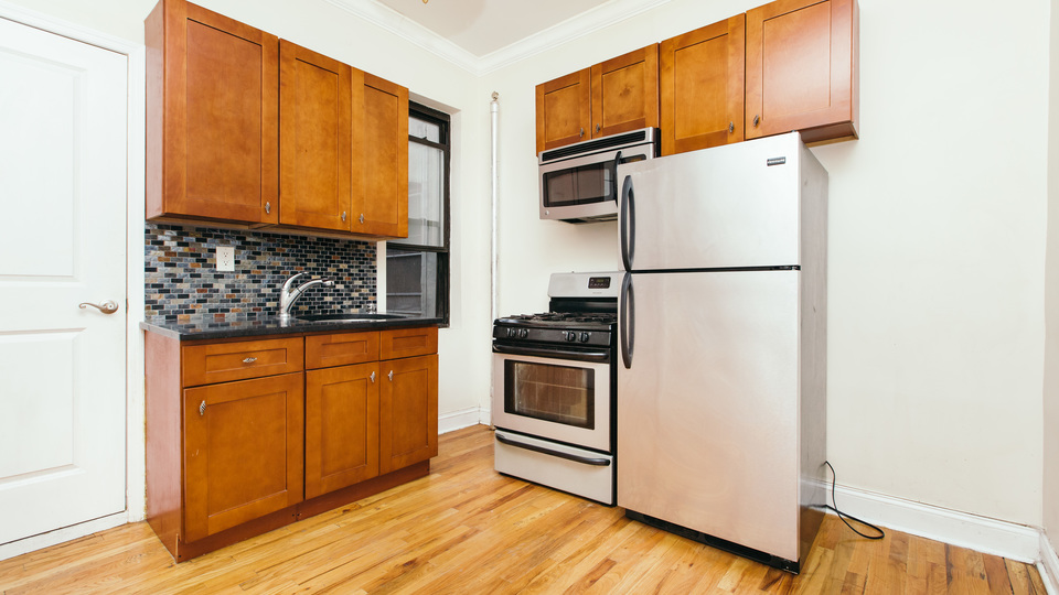 A $2,199.00, 1 bed / 1 bathroom apartment in PLG: Prospect Lefferts Gardens