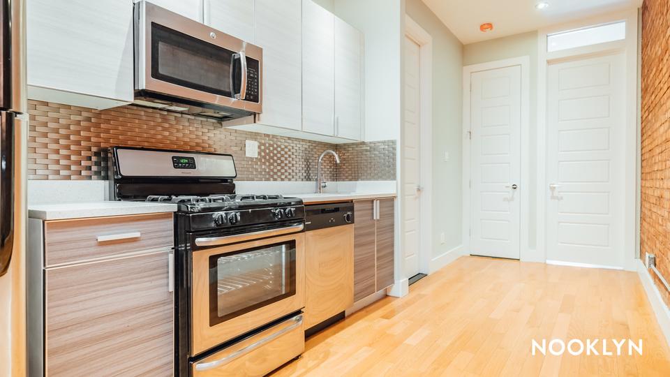 A $2,650.00, 3 bed / 1.5 bathroom apartment in Bushwick
