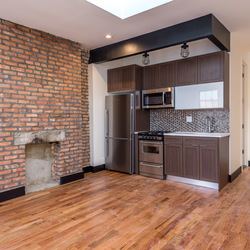 A $3,046.00, 2 bed / 1 bathroom apartment in Williamsburg