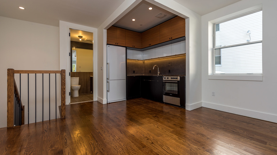 A $3,200.00, 3 bed / 1.5 bathroom apartment in PLG: Prospect Lefferts Gardens