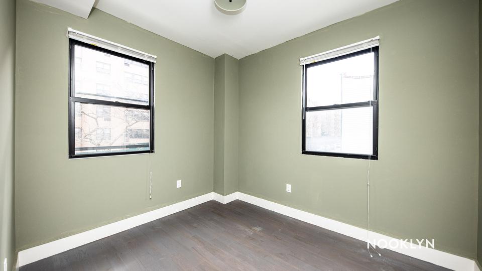 A $2,300.00, 3 bed / 1 bathroom apartment in Bushwick