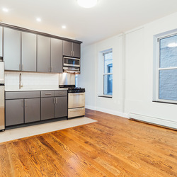 A $2,000.00, 1 bed / 1 bathroom apartment in Ridgewood