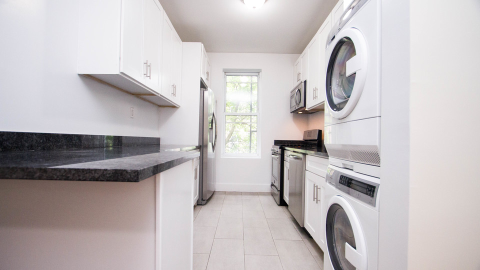 A $3,400.00, 3 bed / 2 bathroom apartment in Bed-Stuy