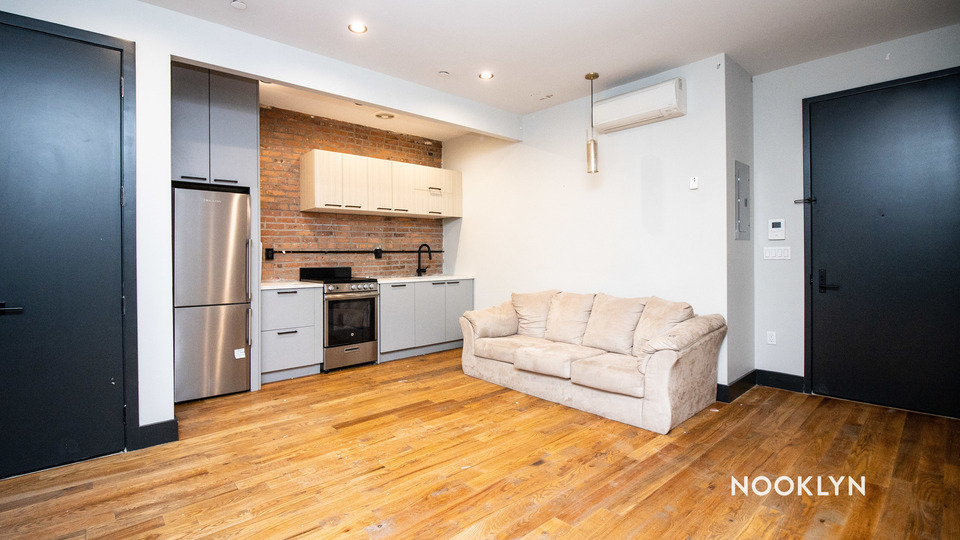 A $3,500.00, 3 bed / 1.5 bathroom apartment in Williamsburg