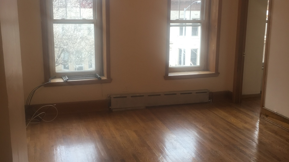 A $1,900.00, 1.5 bed / 1 bathroom apartment in Bed-Stuy