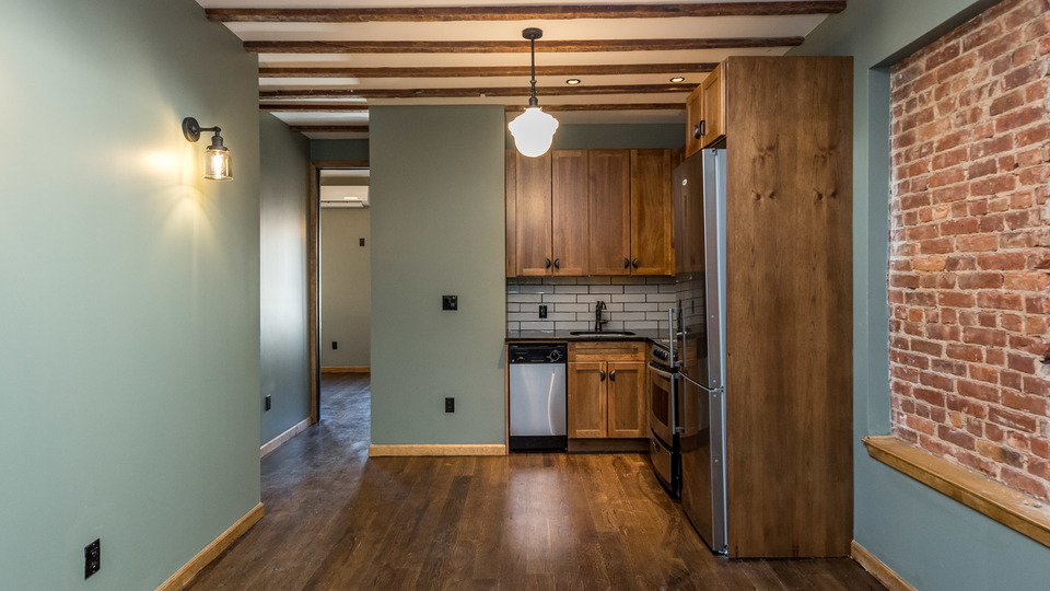 A $2,995.00, 3 bed / 1.5 bathroom apartment in Williamsburg