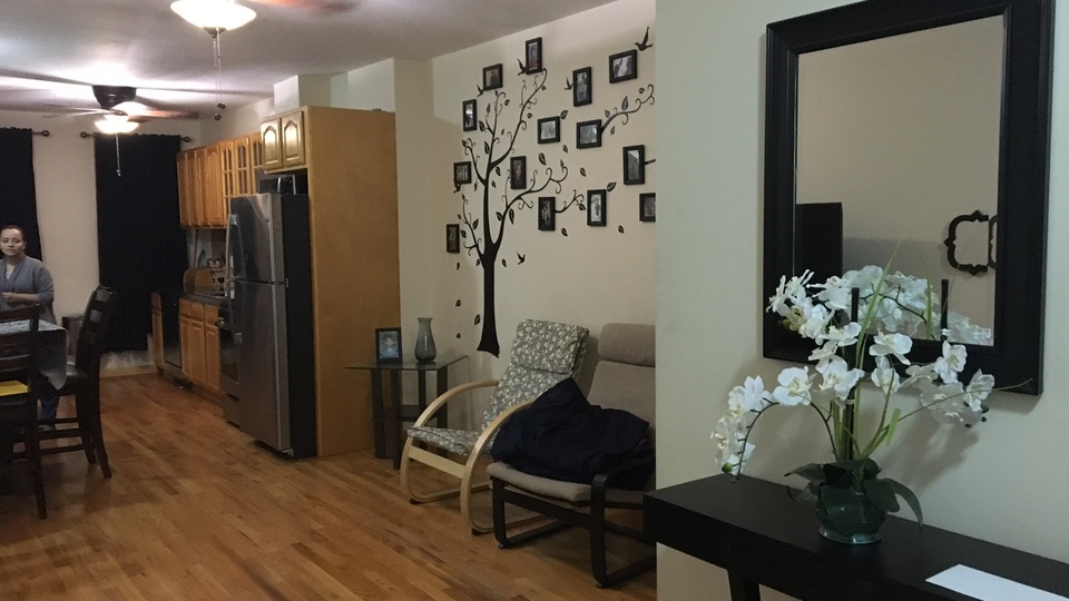 A $2,000.00, 2 bed / 1 bathroom apartment in Glendale