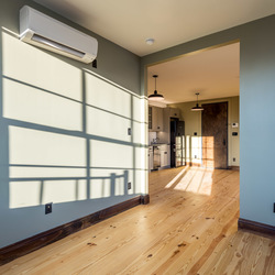 A $4,000.00, 3 bed / 1 bathroom apartment in Greenpoint