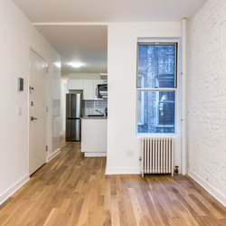 A $2,950.00, 3 bed / 1 bathroom apartment in Ridgewood