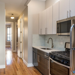 A $2,700.00, 3 bed / 2 bathroom apartment in Ridgewood