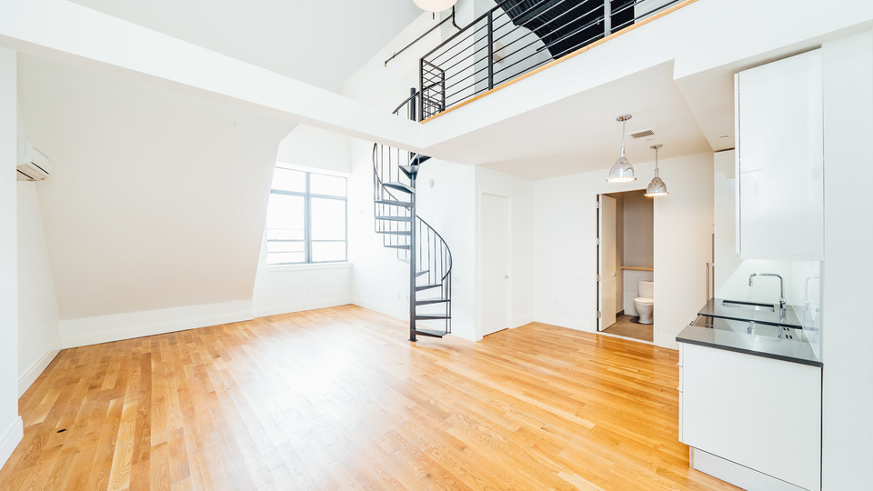A $4,000.00, 2 bed / 2 bathroom apartment in Greenpoint