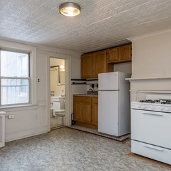 A $3,400.00, 3.5 bed / 1 bathroom apartment in Williamsburg