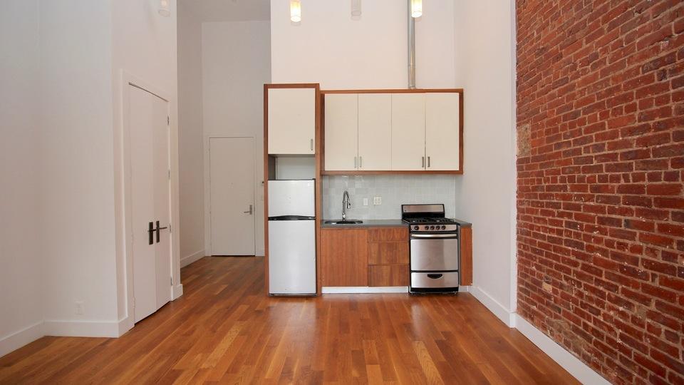 A $2,063.00, 0 bed / 1 bathroom apartment in Bushwick