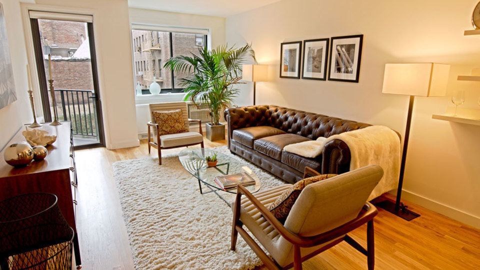 A $3,995.00, 0 bed / 1 bathroom apartment in West Village