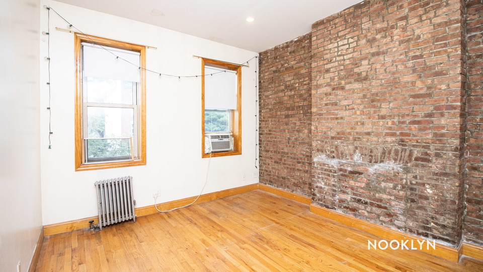 A $2,100.00, 2 bed / 1 bathroom apartment in Greenpoint