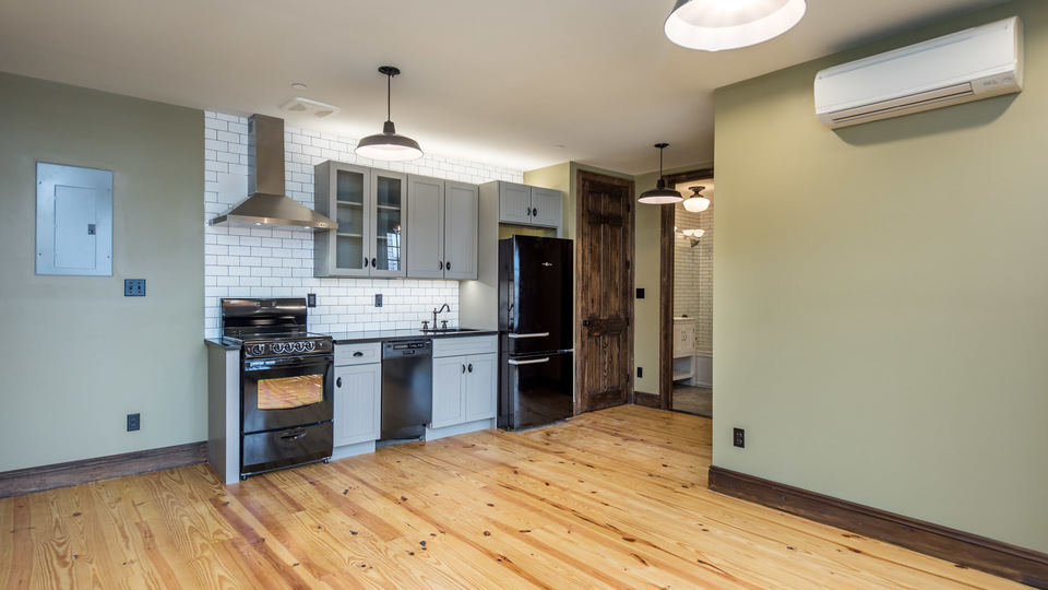 A $2,600.00, 1 bed / 1 bathroom apartment in Greenpoint