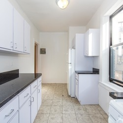 A $2,550.00, 3 bed / 1 bathroom apartment in Ditmas Park