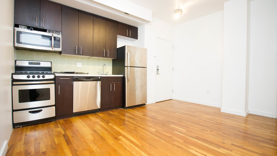 A $2,613.00, 3 bed / 1 bathroom apartment in Bushwick