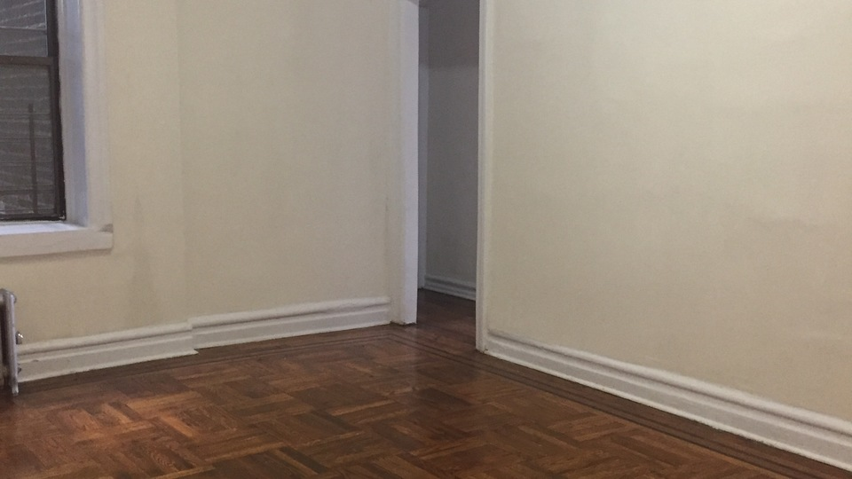 A $1,425.00, 0 bed / 1 bathroom apartment in Flushing