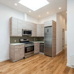 A $3,700.00, 3 bed / 2 bathroom apartment in Greenpoint