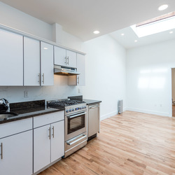 A $3,100.00, 2 bed / 2 bathroom apartment in Greenpoint