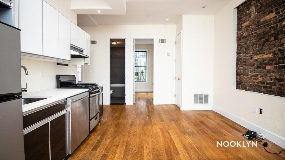 A $2,800.00, 4 bed / 1.5 bathroom apartment in Bushwick