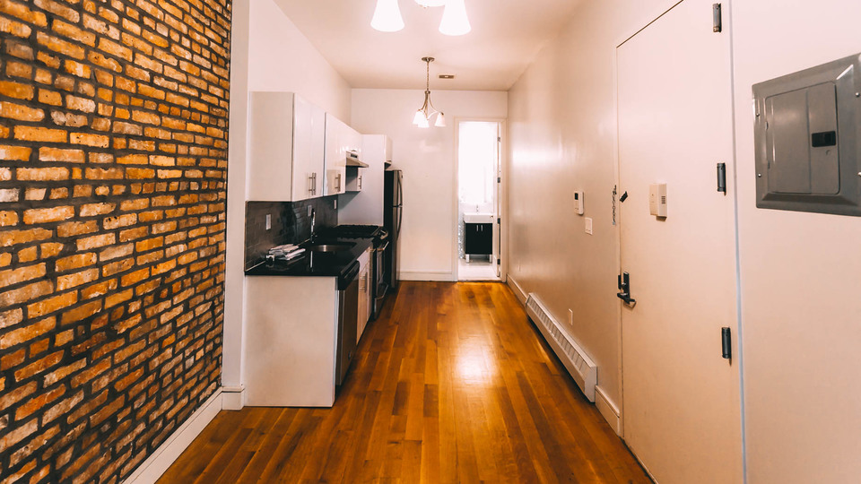 A $2,100.00, 3 bed / 1 bathroom apartment in Bushwick