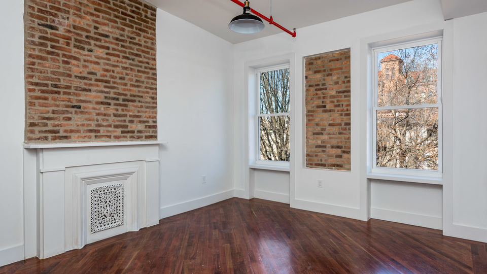 A $2,050.00, 1 bed / 1 bathroom apartment in Bed-Stuy
