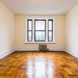 A $2,600.00, 4 bed / 1 bathroom apartment in Flatbush