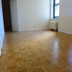 A $2,700.00, 2 bed / 1 bathroom apartment in Long Island City