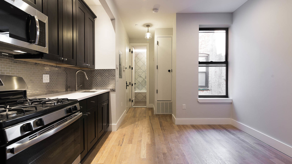 A $2,400.00, 2 bed / 1.5 bathroom apartment in Ridgewood