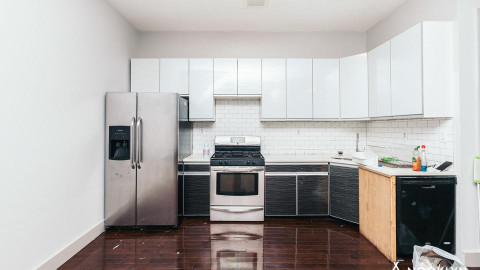 A $3,700.00, 4 bed / 3 bathroom apartment in Bushwick