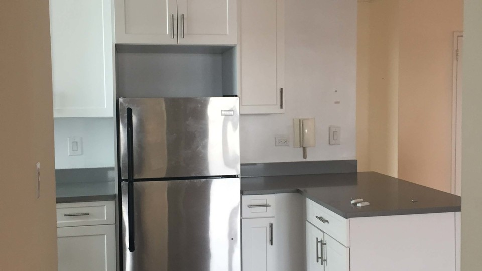A $2,250.00, 2 bed / 1 bathroom apartment in Flushing