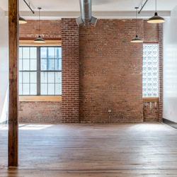 A $2,500.00, 0 bed / 1 bathroom apartment in Williamsburg