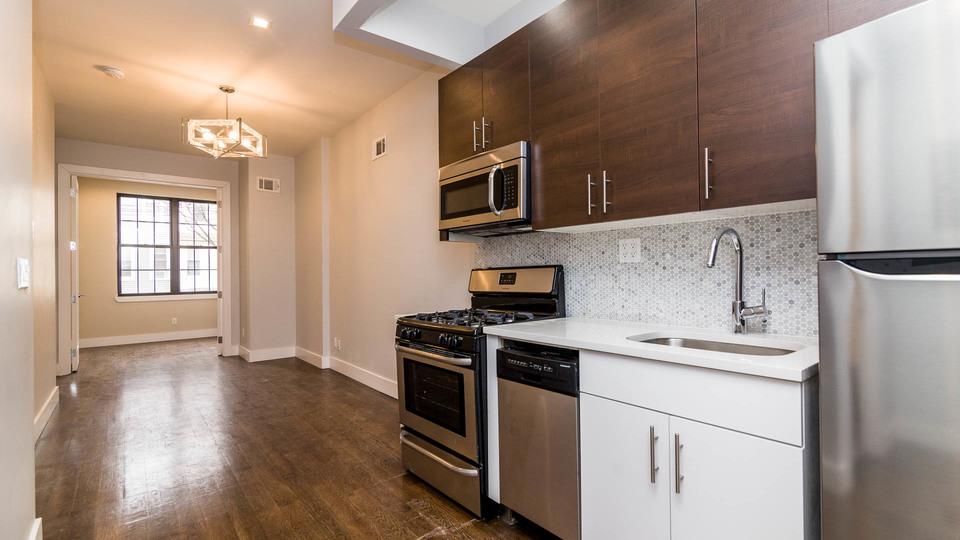 A $3,000.00, 2.5 bed / 1.5 bathroom apartment in Ridgewood